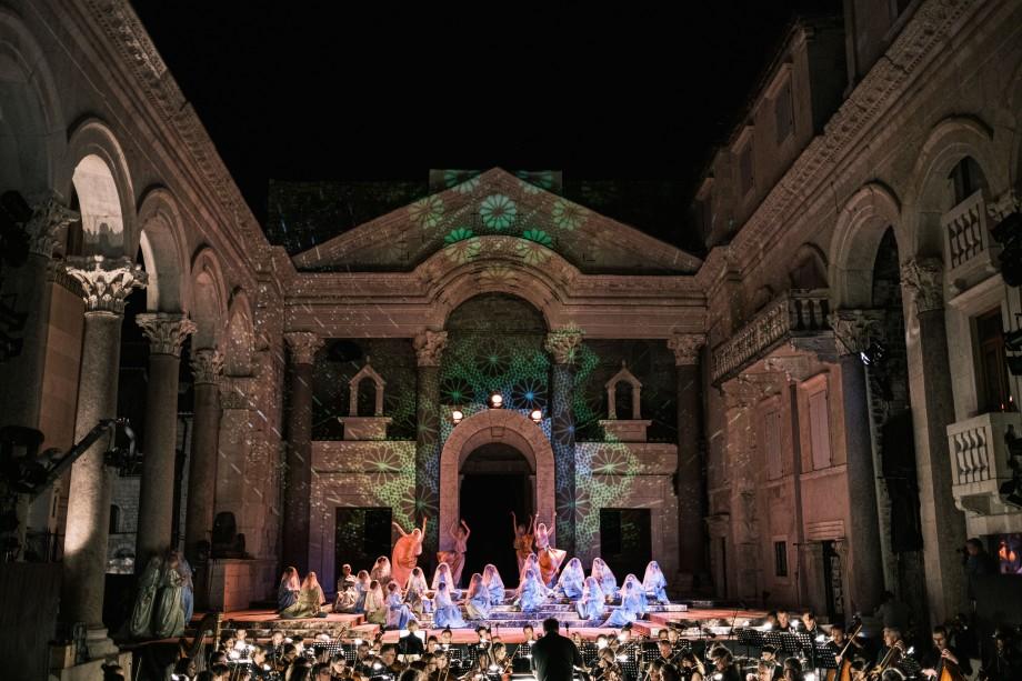 Split,20200713-Otvaranje 66.splitsko ljeto. Opera Lombardijci na Peristilu. Snimio:Matko Biljak